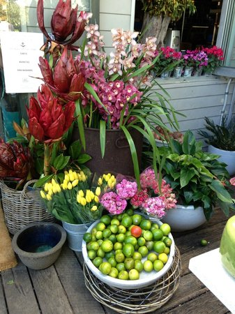The Boathouse Palm Beach: Flowers for sale at the door