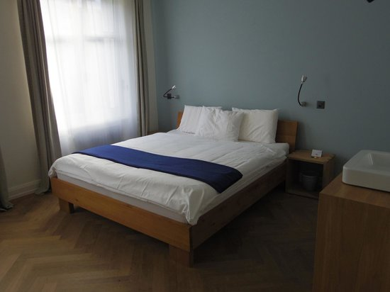 Hotel NI-MO: room
