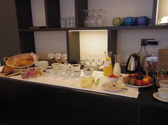Hotel NI-MO: breakfast