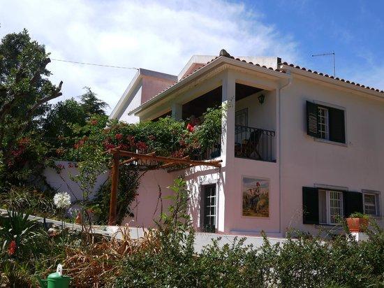 Quinta Verde Sintra: Our suite - top floor with balcony