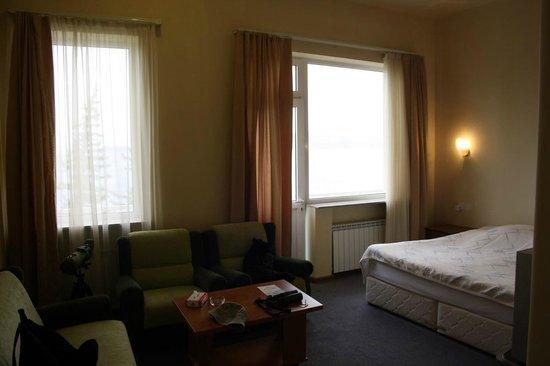 Blue Sevan Resort Centre: Kamer aan de voorzijde met uitzicht over het meer