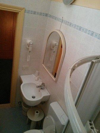 Hotel Gioia: Dettaglio del bagno