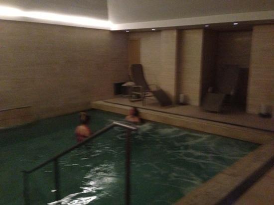Hotel Indigo Rome - St. George : la moisissure sur le mur à gauche