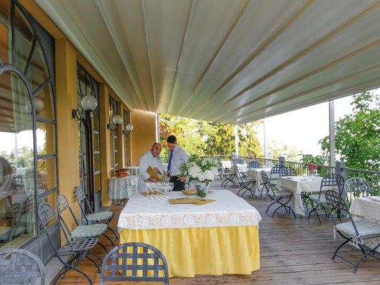 Terrazza panoramica del ristorante - Picture of Hotel Colonne ...