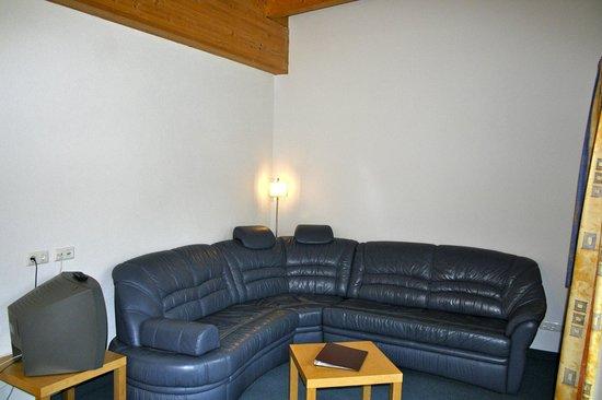 Zwei-Jahreszeiten: Wohnzimmer Suite