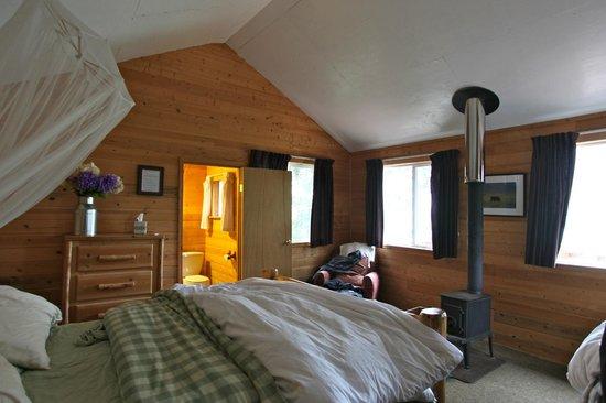 Redoubt Bay Lodge