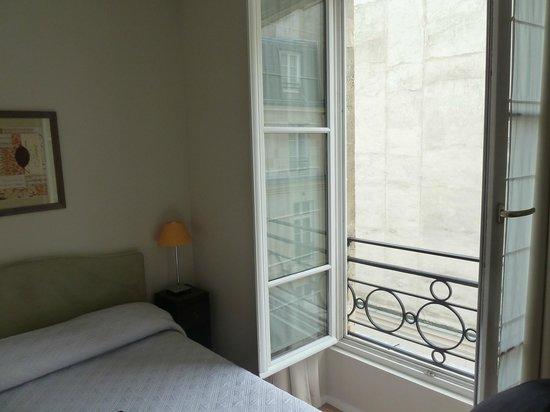 Caumartin 64 : 2 bedroom apartment