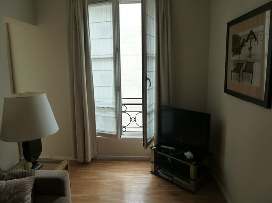 Caumartin 64: 2 bedroom apartment