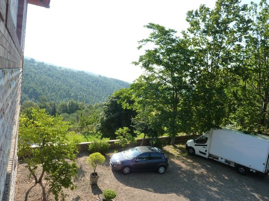 Easy Siena Hotel: vista del parcheggio-panorama dalla camera