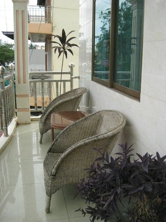 The Cashew Nut Guest House: Balcony