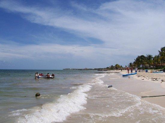 Ocean Maya Royale: beach