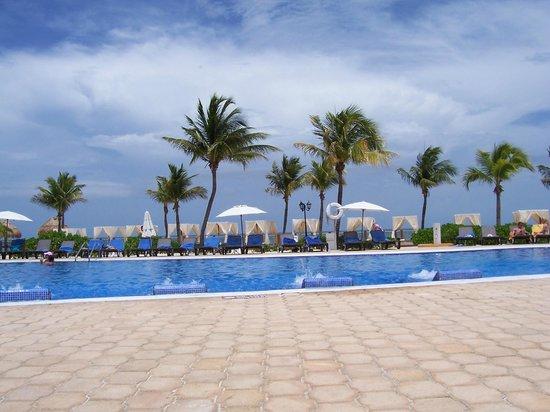 Ocean Maya Royale: pool