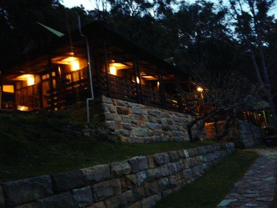 Pittwater YHA : Front of lodge