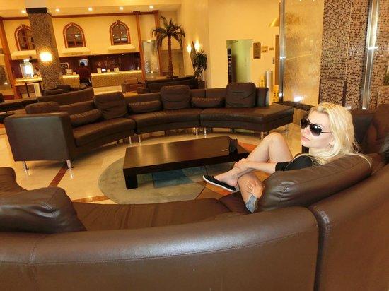 Ramada Plaza Marco Polo Beach Resort: The impressive Lobby!