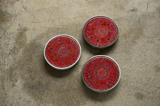 Marion Rosetzky Gallery: Trivets in my new colour way - 3 reds