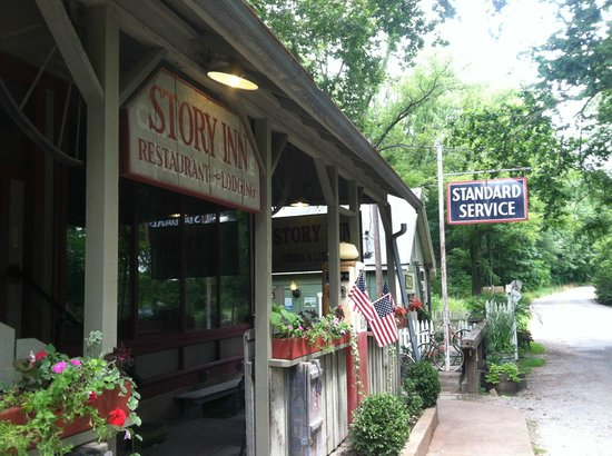 The Story Inn Restaurant: Charming place hidden off the beaten path