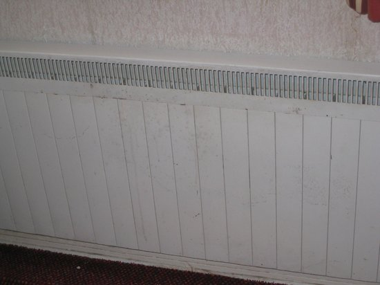 Bay Norbreck Hotel: dirty radiator