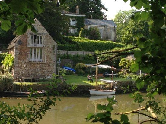 Blick auf das Riverside House