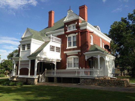 Lyons Twin Mansions: Von Blucher Mansion