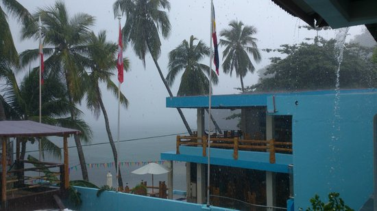 Sabang Inn Beach & Dive Resort: View from our balcony during rain storm