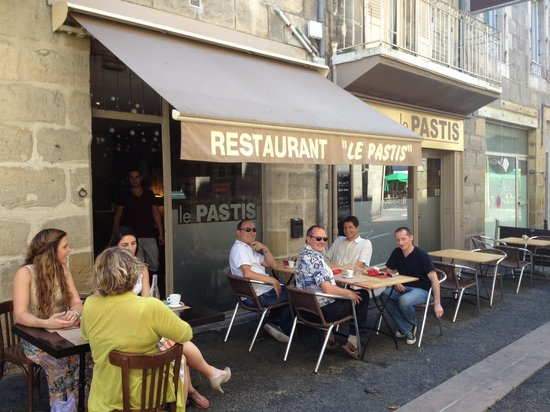 restaurant le pastis dans brive la gaillarde avec cuisine. Black Bedroom Furniture Sets. Home Design Ideas