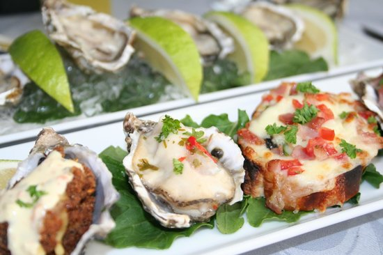 Bentley Oyster Bar & Bistro : Oyster dishes