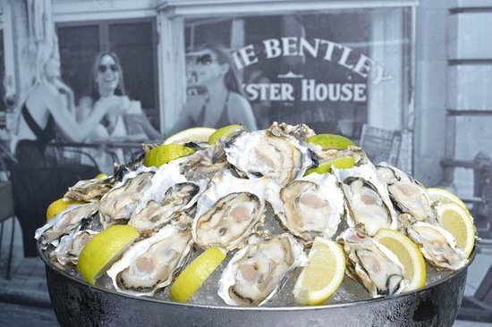 Bentley Oyster Bar & Bistro : West Coast Oysters