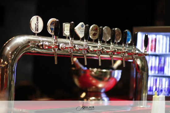 Bentley Oyster Bar & Bistro : Boston Breweries Craft Beer on Tap