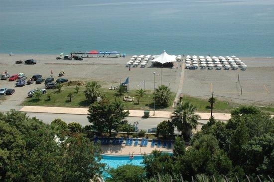 Golden Beach Hotel: Strand 2
