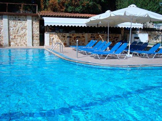 Golden Beach Hotel: Pool
