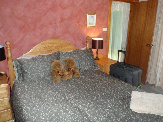 Yelverton Brook Eco Spa Retreat & Conservation Sanctuary : bedroom 1