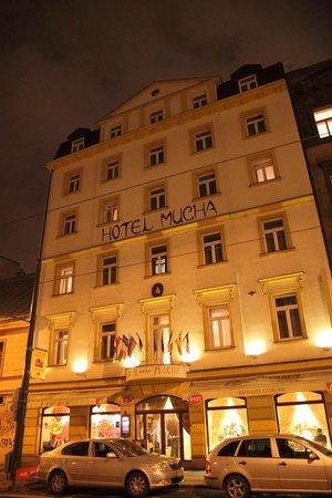 Hotel Mucha : ホテル外観