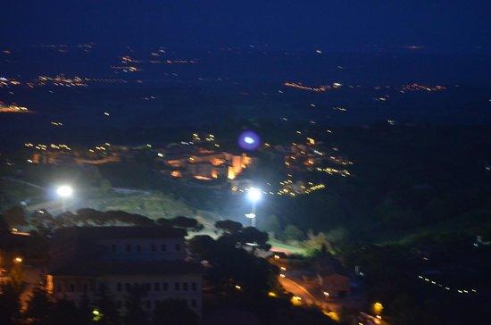 Meuble il Riccio: Night landscape