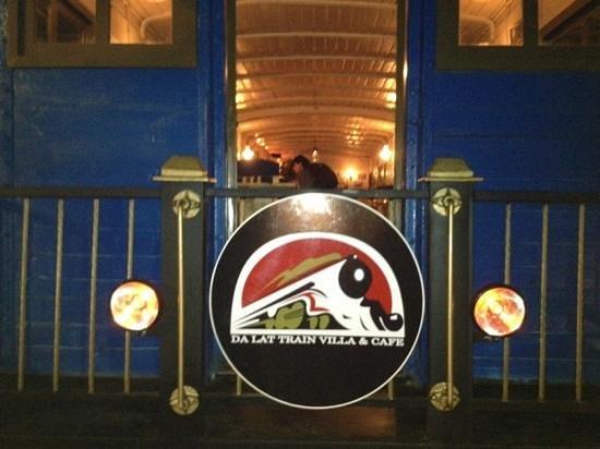 Dalat Train Cafe: all aboard ...