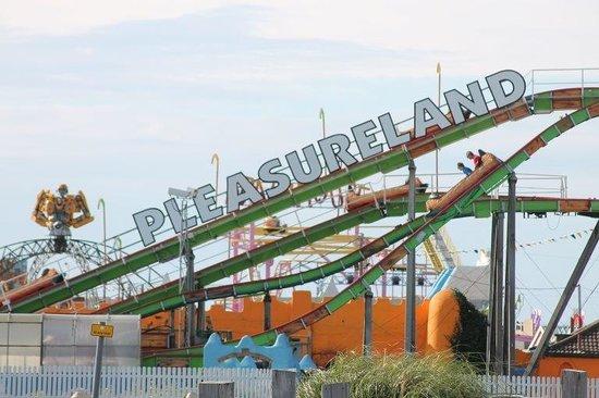 Southport Pleasureland: Pleasureland and Pirana ride