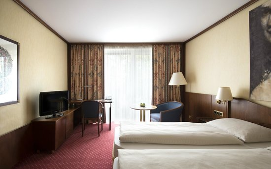 derag livinghotel prinzessin elisabeth 101 1 1 7. Black Bedroom Furniture Sets. Home Design Ideas