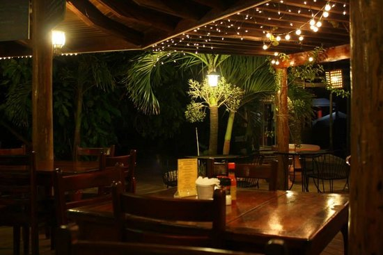 Coconut Tree II : Foster's Bar & Grill