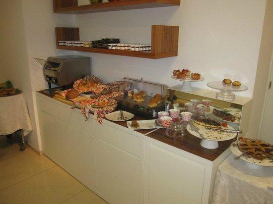 Hotel Card International : Breakfast area