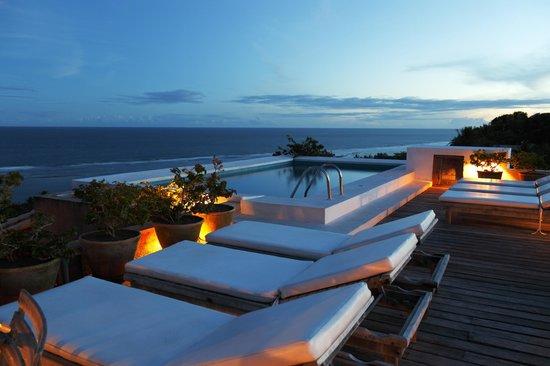 Maitei Hotel: Uma das Piscinas, Vista 360° do terraço