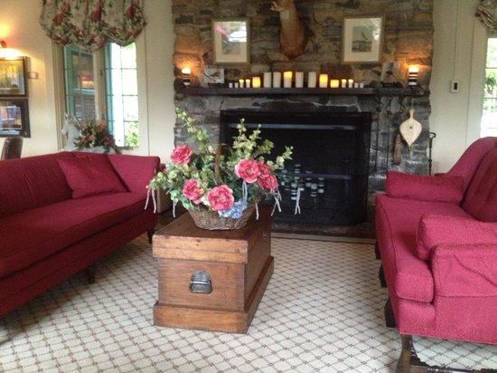Buckhorn Inn: Seating area in dinning room.