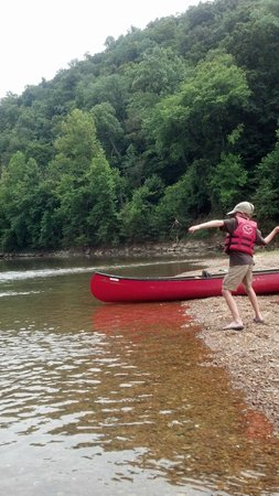 Mammoth Cave Canoe & Kayak: Canoeing the Green River - Lots of places to stop and explore