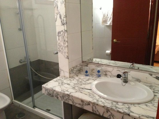 Bungalows Doña Rosa: Bathroom