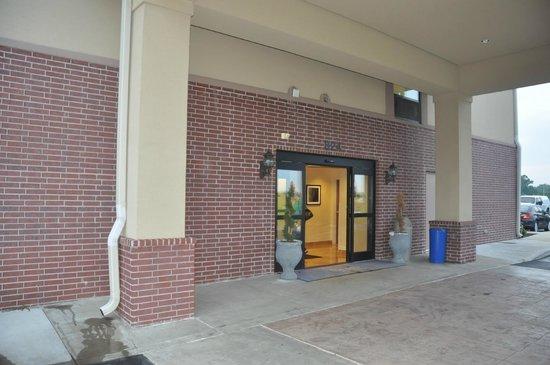 Sleep Inn & Suites Dyersburg : Entrance