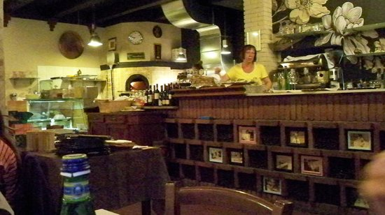 Antica Corte: Inside - drinks and oven
