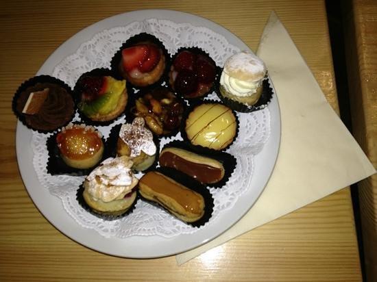 Saveurs : Amazing mini cakes!