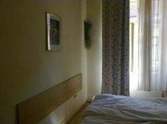 Hotel Graf Stadion: mur chambre