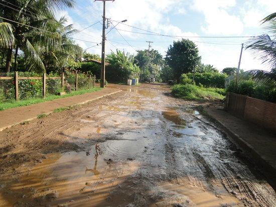 Pousada do Romildo: Rua da Pousada depois da chuva