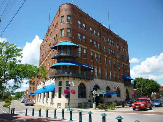 The Lafayette: Exterior and busy intersection