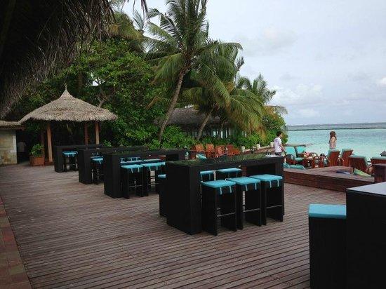 Sheraton Maldives Full Moon Resort & Spa: The Anchrodge Bar
