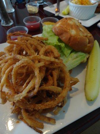 JRay's Restaurant and Bar